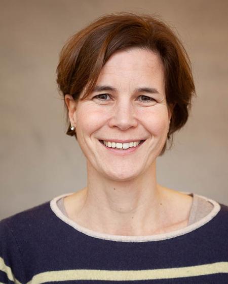 Dr. Julia Huebner